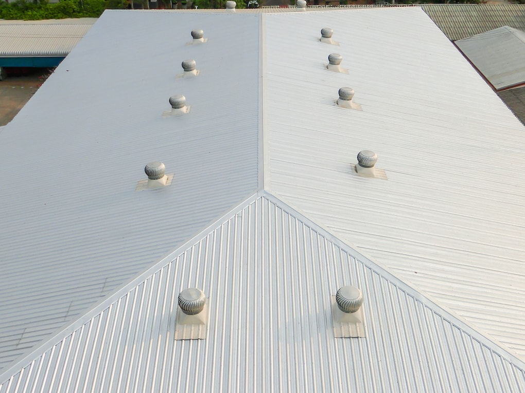 commercial roofing systems: metal roofing